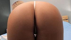 tanga blanca de hilo dental convence al actor porno para un polvazo