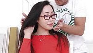 Tutor de Estudios Seduce a Linda y Joven Asiática - Li Loo